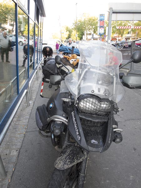 Warteraum Hamburg Motorrad Autoreisezug