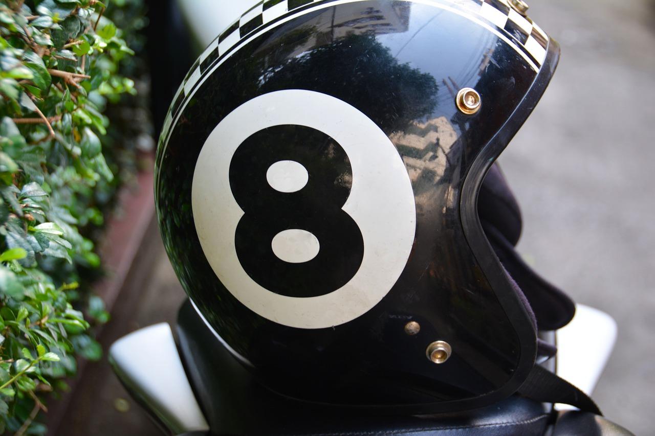 In vier Schritten zum gepflegten Motorradhelm