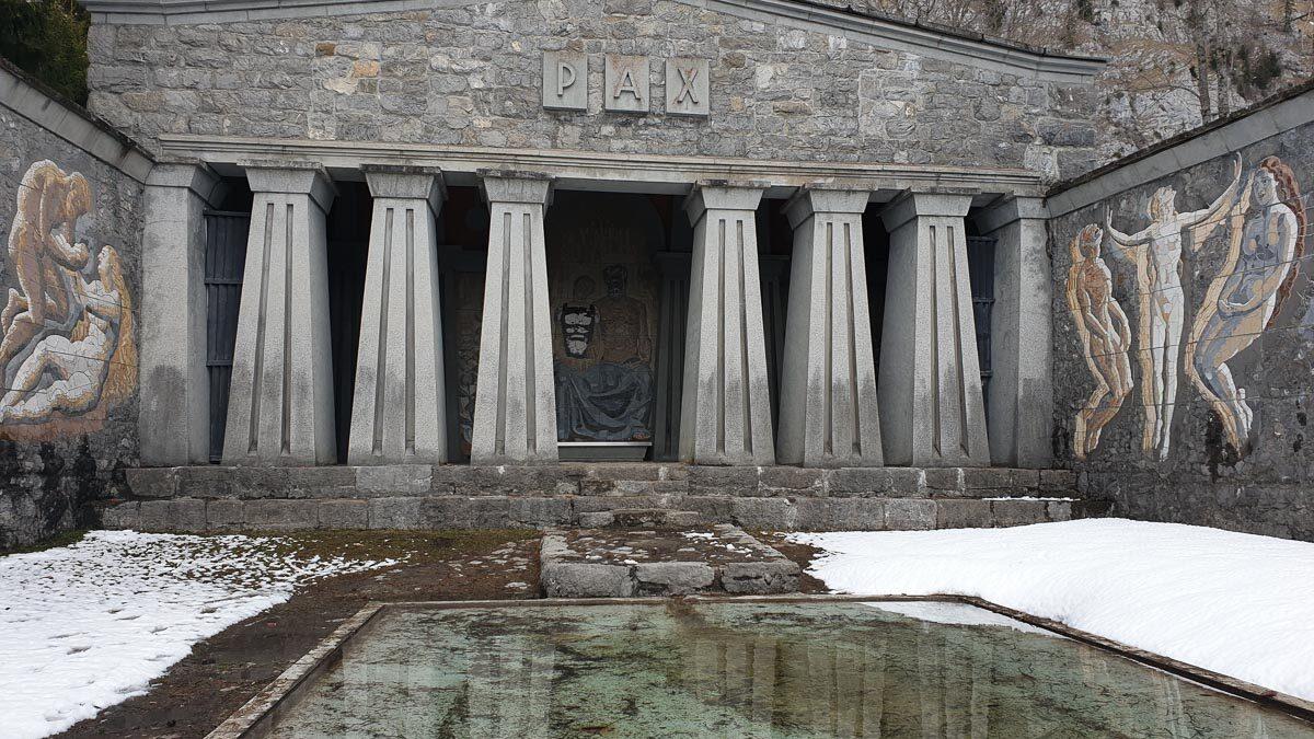 Paxmal eine Gedenkstätte mit sagenhaftem Ausblick über das Seeztal