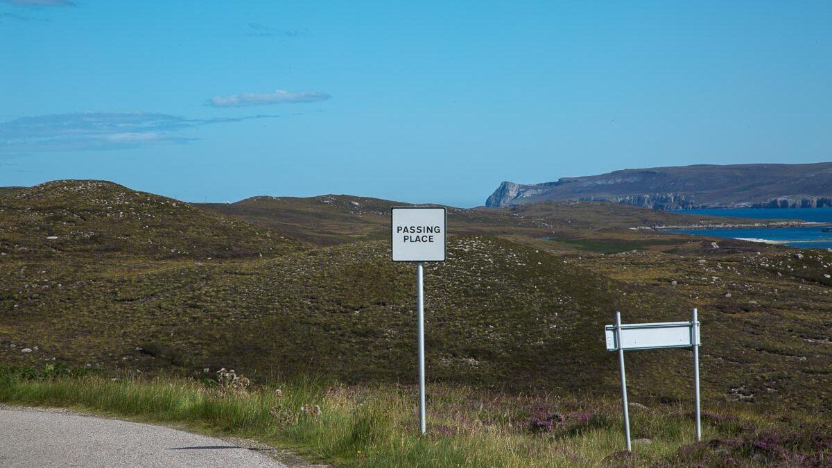 Fahren auf Single Roads in Schottland